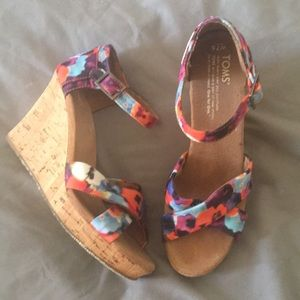 Tom's Floral watercolor wedge sandals